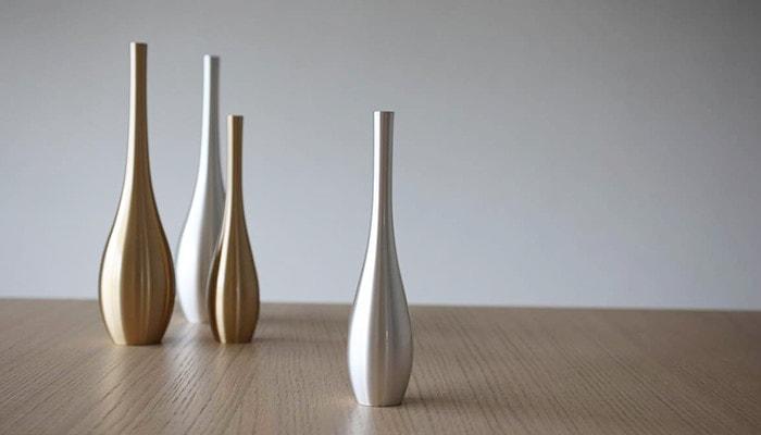 4 flower vases Sorori on the table