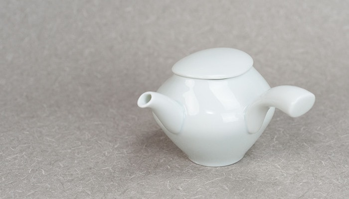 Cute and simple form of kyusu teapot of sou sou series from ceramic japan