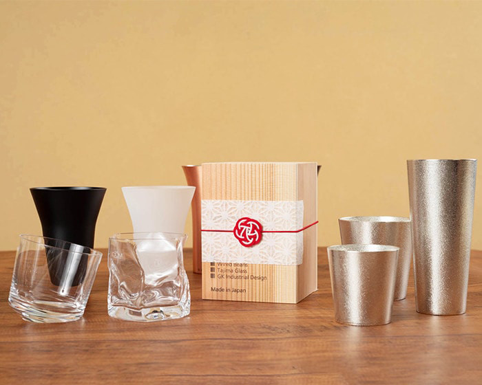 Various whiskey tumblers of Japan Design Store and Ume-Mizuhiki wrapping on cedar box of Wired Beans