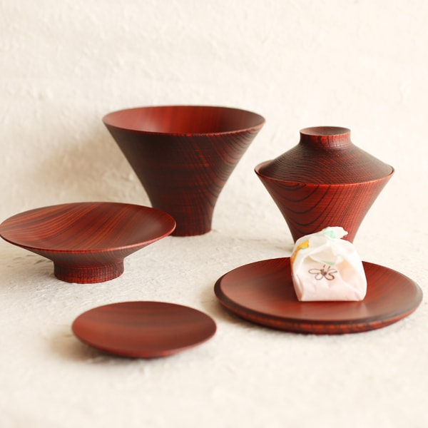 TSUMUGI / Ichiju-Sansai bowl / Set of wooden bowls and plates / Red / Gato Mikio Store