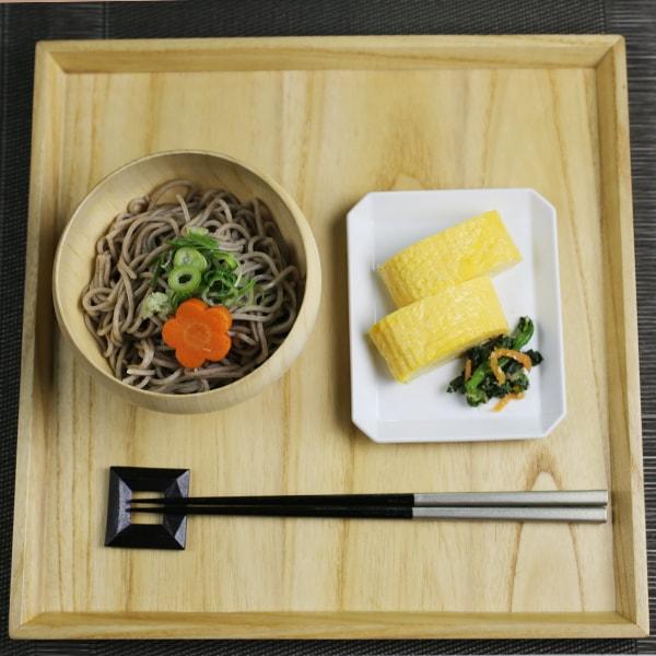何気ない日の丁寧な昼食セット (お椀/お皿)