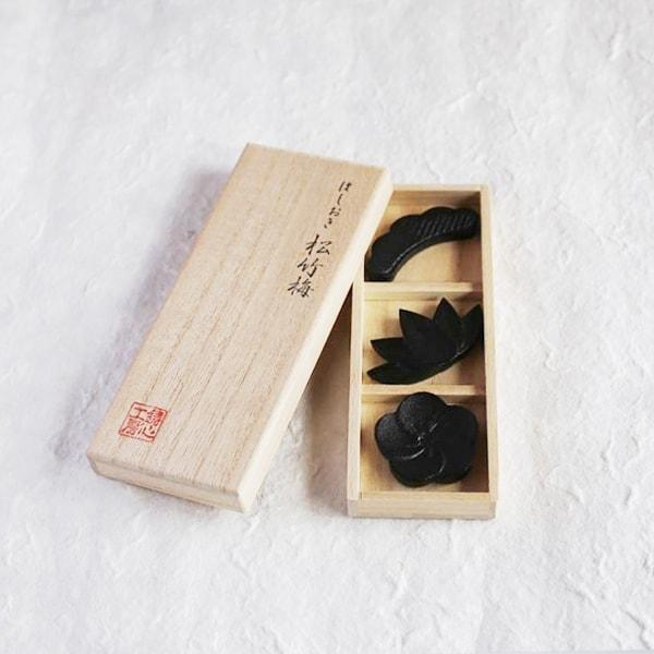 箸置き/松竹梅 3ヶセット 黒/鋳心ノ工房