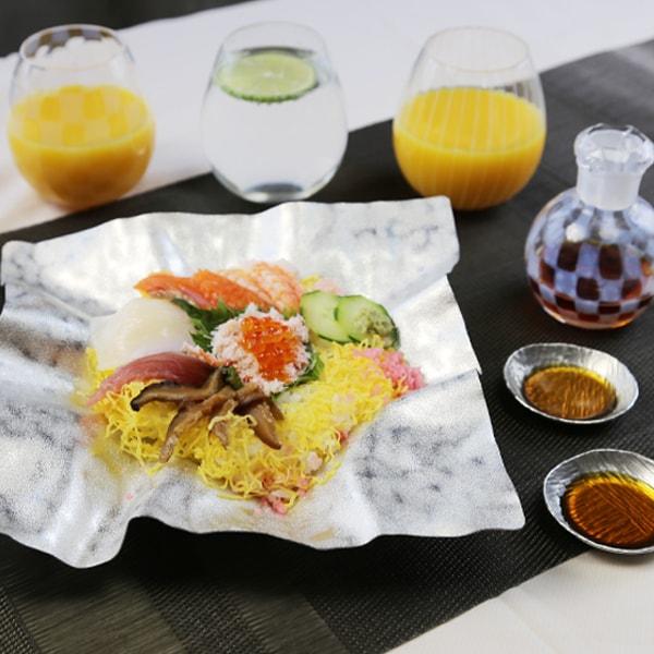 ちらし寿司パーティーセット 4名用 (すずがみ さみだれ/醤油差し/グラス)