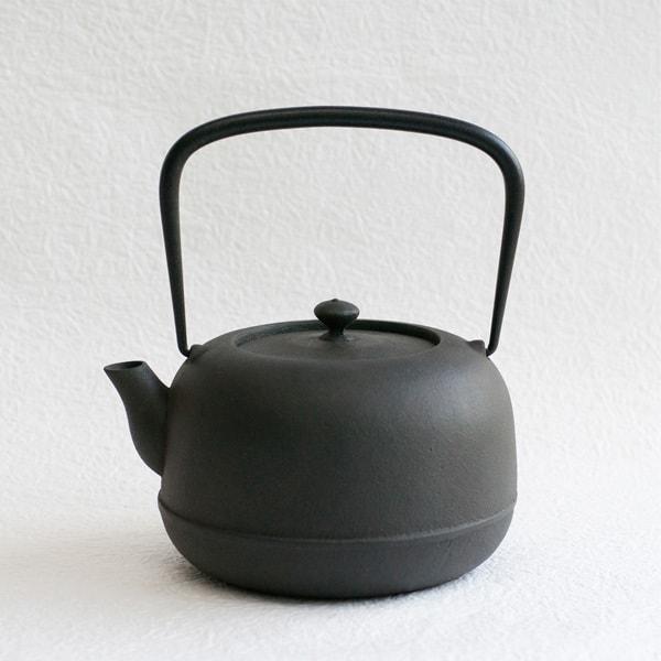 水沢姥口 /鋳鉄油焼き南部鉄瓶 1L/小/東屋