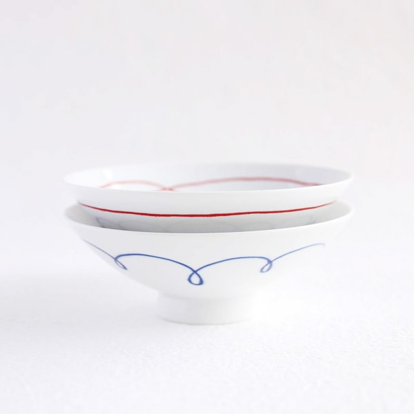 [A set of 2 bowls]A pair of 2 flat rice bowls Blue & Red Line (Exclusive box) / Hakusan Toki