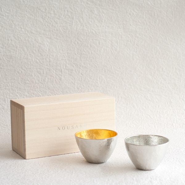 [Set] [Paulownia box] Pair Guinomi / Gold & Silver / Nousaku