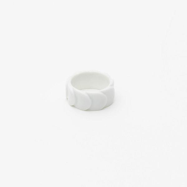 Ring DRAKE RING NO.1(小) White /2016 Saskia Diez