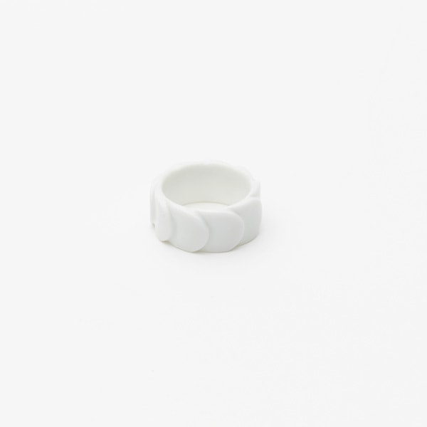 Ring DRAKE RING NO.2(大) White /2016 Saskia Diez