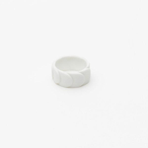 Ring DRAKE RING NO.2(大) White Matt /2016 Saskia Diez