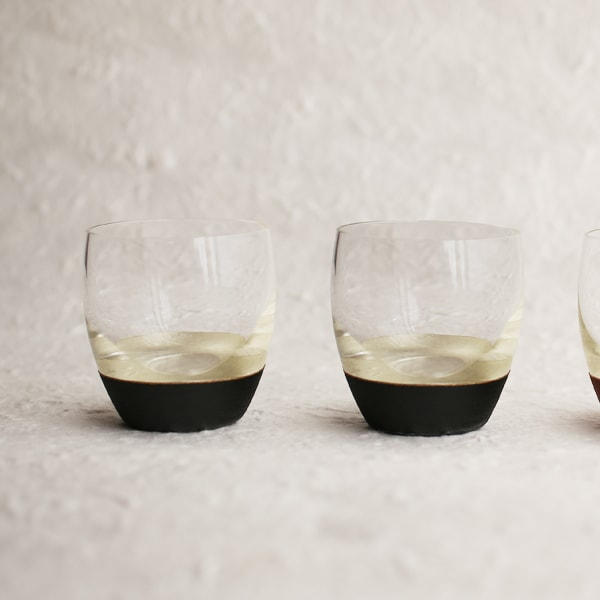 [Set] [Exclusive box]Lacquer sake cup / Pair (Silver & Black ×2) / Toba Shitsugei