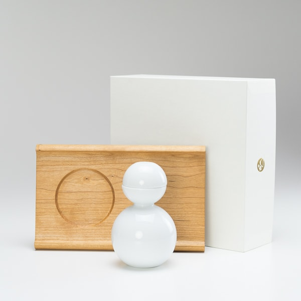 [Set] [Exclusive box] Shuki daruma (Glossy) / Wooden bread board SENRO S