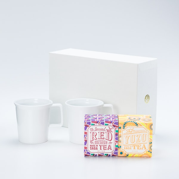 【セット】ミニマルな有田焼マグカップペアでいただく うれしの紅茶 RED & YUZU 化粧箱入