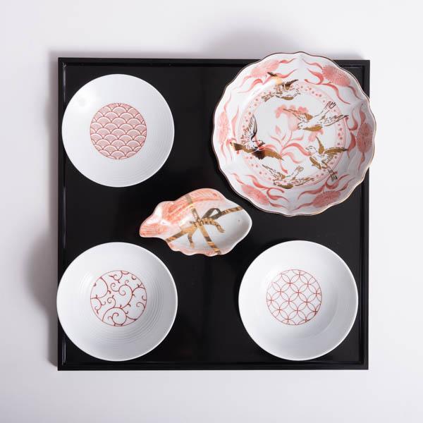 【セット】和モダン紅白のお食い初めセット 切立盆付き 化粧箱入