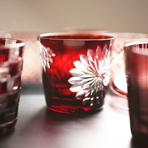 Futa Choko / Small glass with a lid / Yaegiku  / Hirota Glass_Image_1
