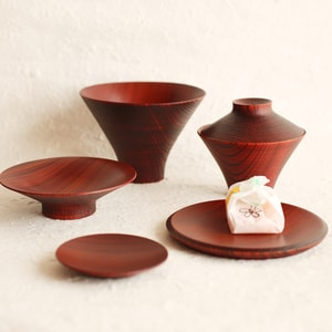 TSUMUGI/ Ichiju-Sansai bowl/ Set of wooden bowls and plates/ Red/  Gato Mikio Store