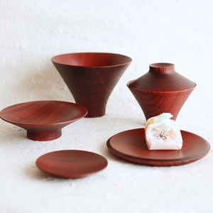 TSUMUGI / Ichiju-Sansai bowl / Set of wooden bowls and plates / Red / Gato Mikio Store_Image_1