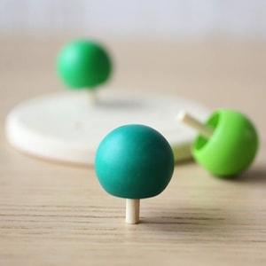 オブジェ、おもちゃ/木のこま/モアトゥリーズデザイン