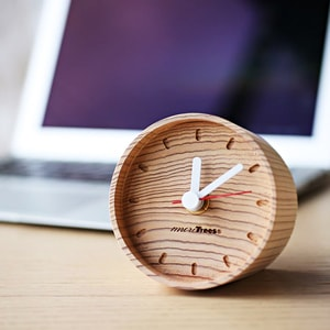 Wooden table clock / more Trees design_Image_1