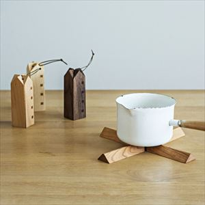 Nabeshiki house / Wooden kitchen hot pad / Black cherry / Sunao Lab_Image_2