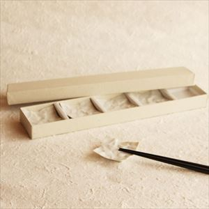 Chopstick Rest/ White/ CRINKLE Series_Image_1