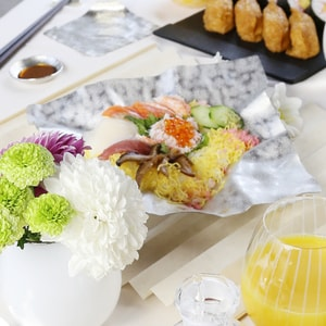 Sushi Party Set / Kazahana / Set for 4