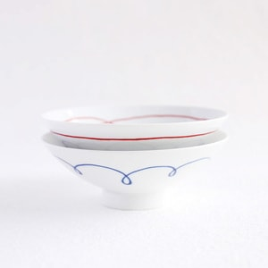 【A set of 2 bowls】A pair of 2 flat rice bowls Blue & Red Line (Exclusive box)/ Hakusan Toki