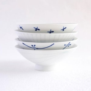 [Set of 4][Exclusive box] Flat rice bowls / Blue & White / Hakusan Toki