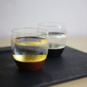 [Set] [Exclusive box] Pair Lacquer sake cup /  Silver & Black + Gold & Red / Toba Shitsugei