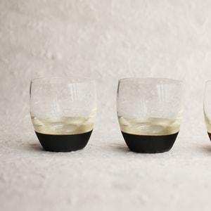 [Set] [Exclusive box]Lacquer sake cup / Pair (Silver & Black ×2) / Toba Shitsugei_Image_1