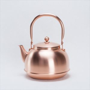 Copper tea kettle / Azmaya