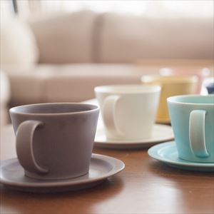 DAYS / Sara Coffee cup & Saucer / Yellow / Wooden Box / SAKUZAN_Image_2