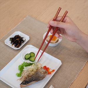 [Paulownia box] 2 pairs of chopsticks / Hand-carved Chinkin chopsticks / Seigaiha / Hashimoto Kousaku Shikkiten_Image_2
