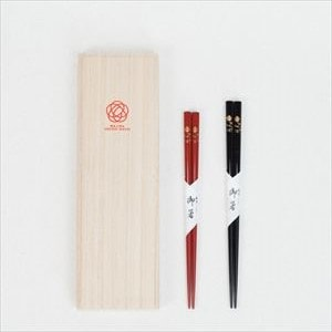 [Paulownia box] 2 pairs of chopsticks / Hand-painted Makie chopsticks / Ume Matsuba / Hashimoto Kousaku Shikkiten