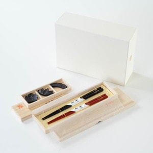 [Set] [Exclusive box] Gorgeous Sho-Chiku-Bai set / 2 pairs of chopsticks & Chopstick Rest set / Wajima urushi chopsticks & Yamagata casting