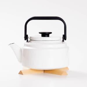 【セット】アムケトル ホワイト & なべしきハウス ブナ/やかん 鍋敷き