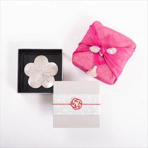 【令和を祝う梅の玉手箱セット】錫梅のトレー 一段重(小) ピンクのハンカチ包み