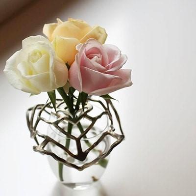 お花を活けるのにも大活躍!な能作のkago