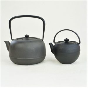 The difference of cast iron kettle and cast iron teapot