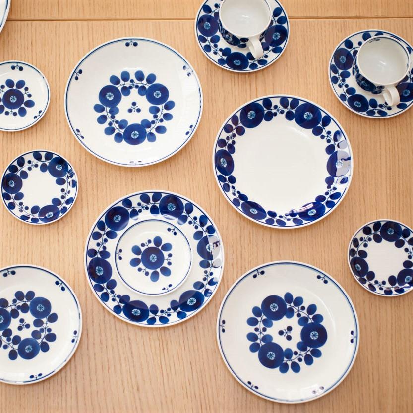 使い道無限大!白×青のお皿たち