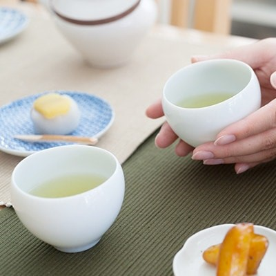 Drink hot tea in a cold day! Recommended tea sets