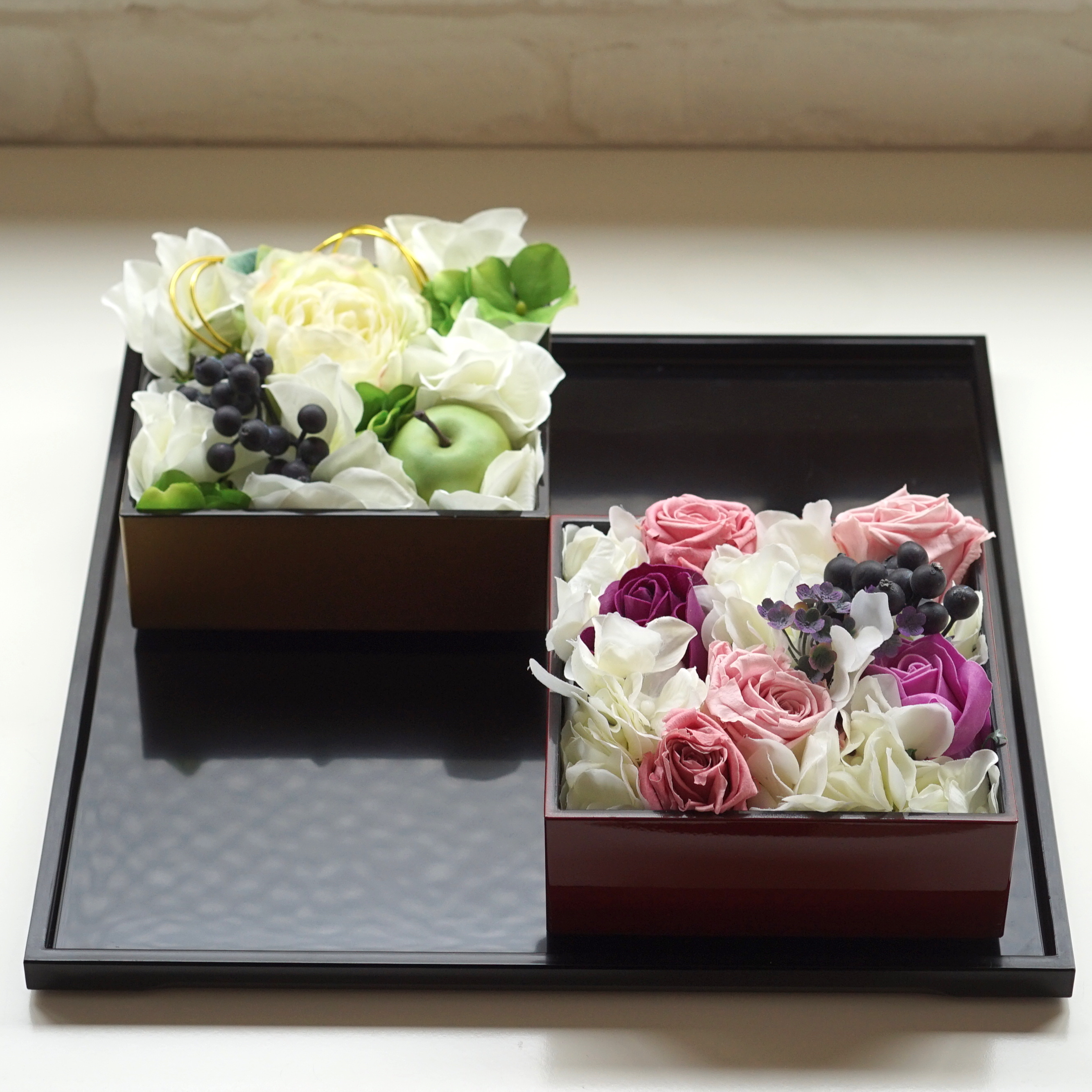 Flower arrangement with Jubako box?