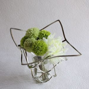 How to keep flowers in flower vase for a long time?