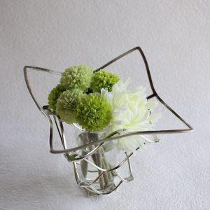 花束をもらったら?花瓶で花を長く楽しむコツ