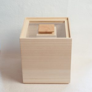 Japanese idol Kazuya Kamenashi from KAT-TUN get one! Wooden rice storage box from Masuda Kiribako