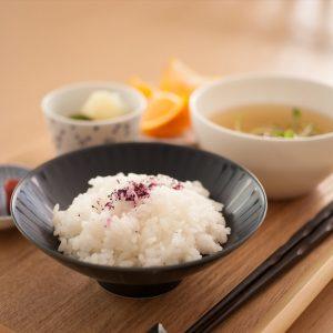 美味しいご飯はお気に入りのご飯茶碗で